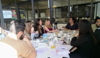 Diálogo con Estudiantes en la UAI