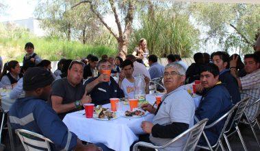 """Pastoral y Centros de Alumnos se unen para festejar con un almuerzo """"El día del Auxiliar""""."""