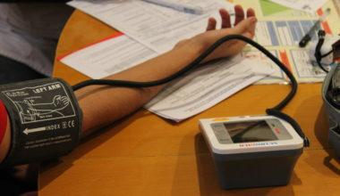 Estudiantes acuden a la segunda etapa de exámenes preventivos de salud