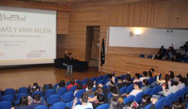 El kinesiólogo Gabriel Arrieta, instruyó sobre salud y deporte, en el marco de la semana de la Salud Mental y Física