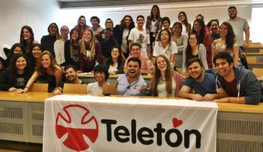 Risas que rehabilitan de la Teletón visita nuestro campus con Oscarito