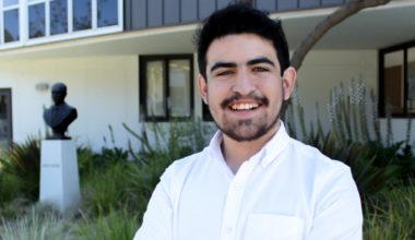 Proyecto de estudiantes UAI «Pensadores Globales» se adjudica fondo Mineduc