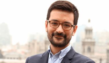 Pasión y propósito en educación: Víctor Ruiz, ex alumno UAI Viña